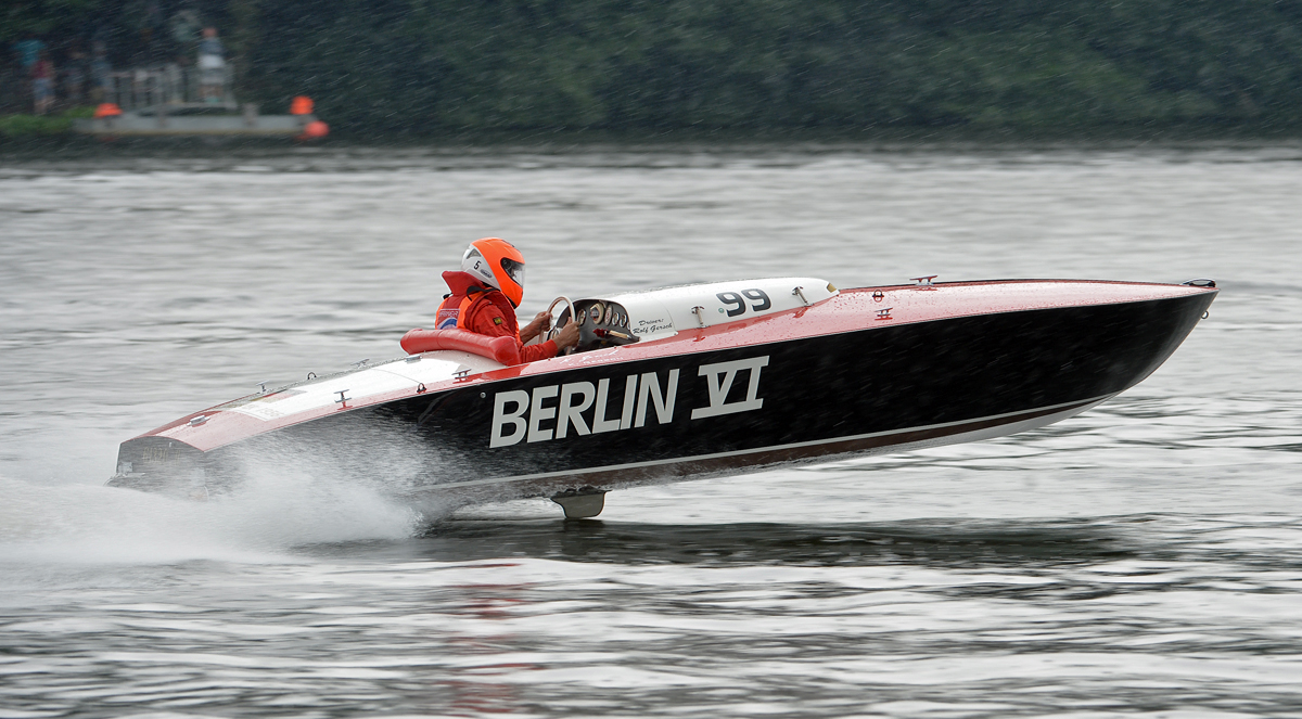 European Class E 2  (2500 ccm) Berlin VI was constructed and built by Kurt Gersch of Wiesbaden, Germany. The boat won every race in its class in 1956 including the 1956 World Championship in Cannes